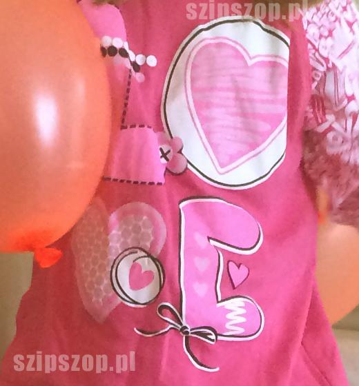 piżamka dla niemowląt z serduszkami