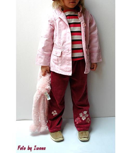welurowe spodnie dla dziewczynki w kolorze różowym