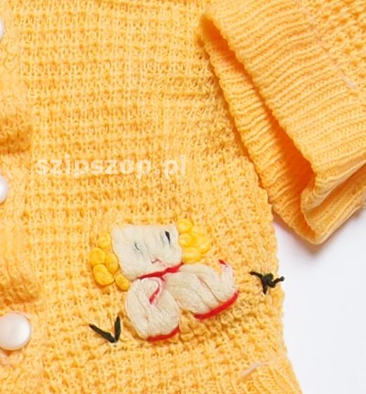 tradycyjne ubranka dla noworodka